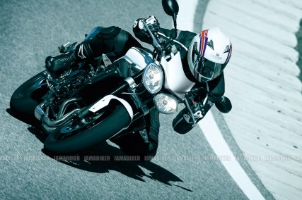 Triumph Speed triple 2012 12 IAMABIKER