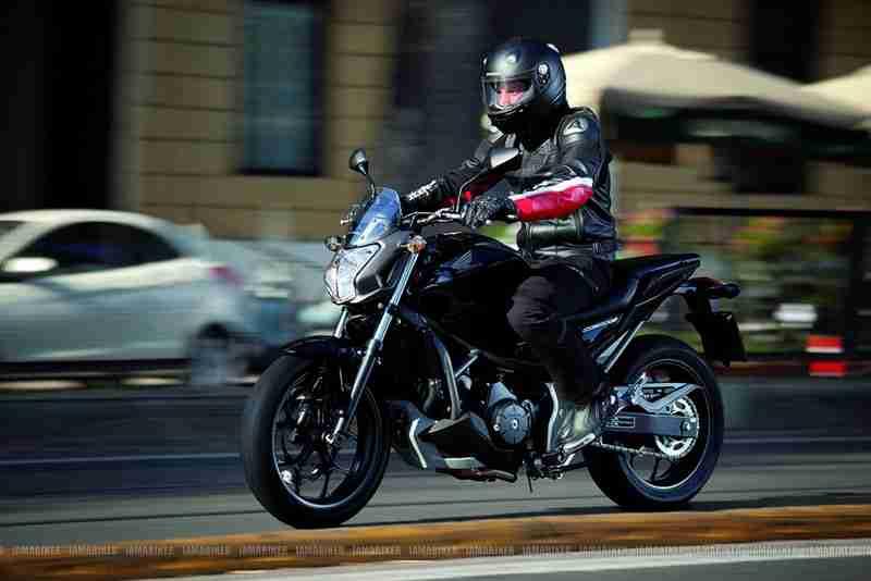 Honda NC700S 06 IAMABIKER