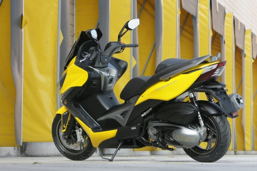 KYMCO Xciting 400i for 2012 07 IAMABIKER