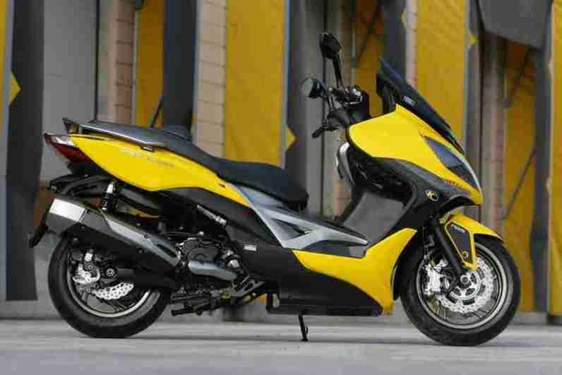 KYMCO Xciting 400i for 2012 10 IAMABIKER