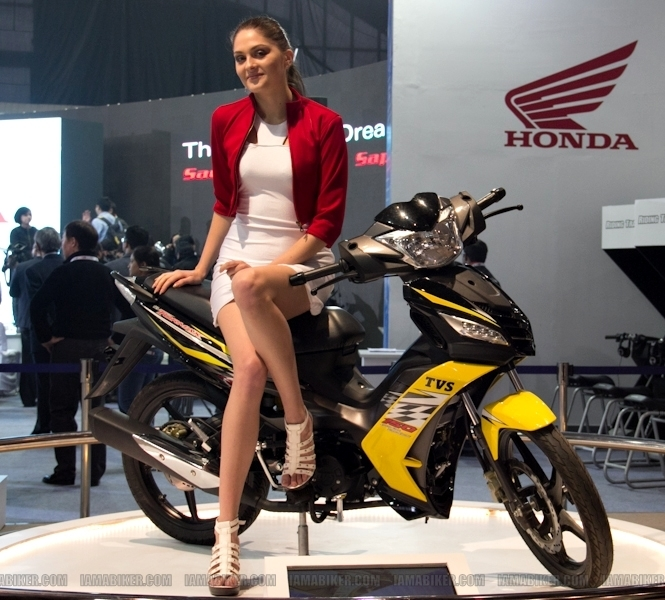 Auto Expo 2012 Eyecandy 09
