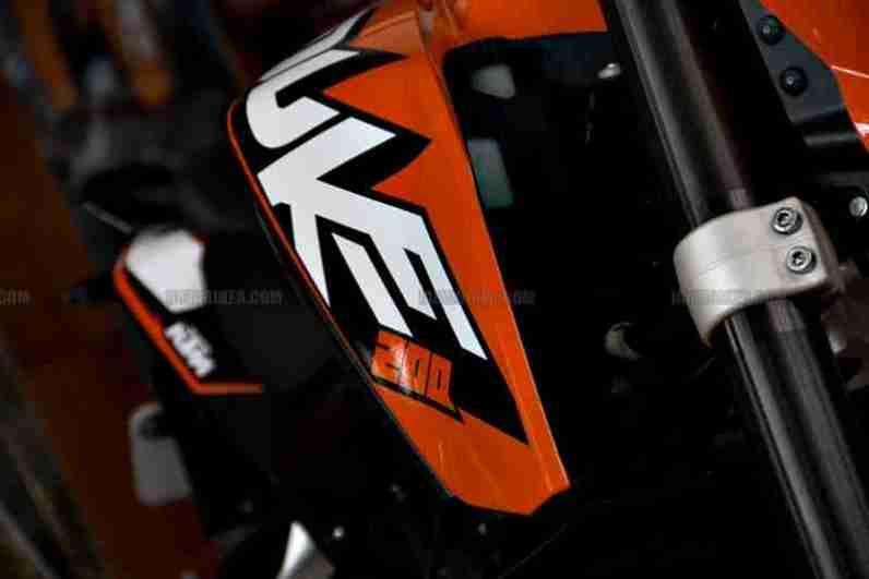 KTM Duke 200 01