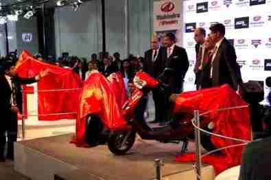Mahindra 2 wheelers Auto Expo 2012 India 05