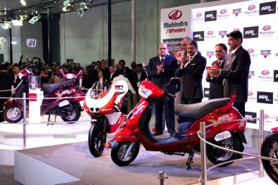 Mahindra 2 wheelers Auto Expo 2012 India 06