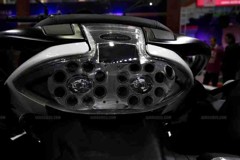 Moto Guzzi - Piaggio Auto Expo 2012 India 06