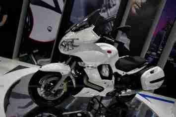 Moto Guzzi - Piaggio Auto Expo 2012 India 07