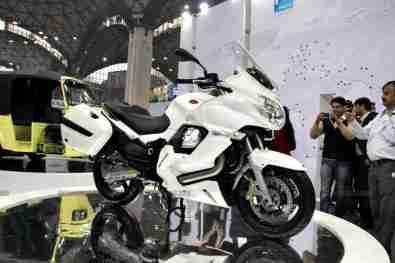 Moto Guzzi - Piaggio Auto Expo 2012 India 11
