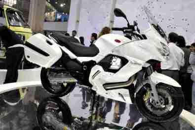 Moto Guzzi - Piaggio Auto Expo 2012 India 12