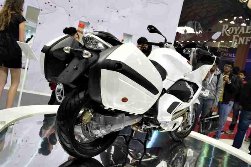 Moto Guzzi - Piaggio Auto Expo 2012 India 13