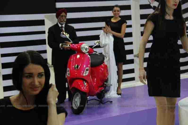 Vespa - Piaggio Auto Expo 2012 India 01
