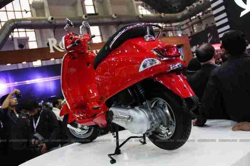 Vespa - Piaggio Auto Expo 2012 India 12