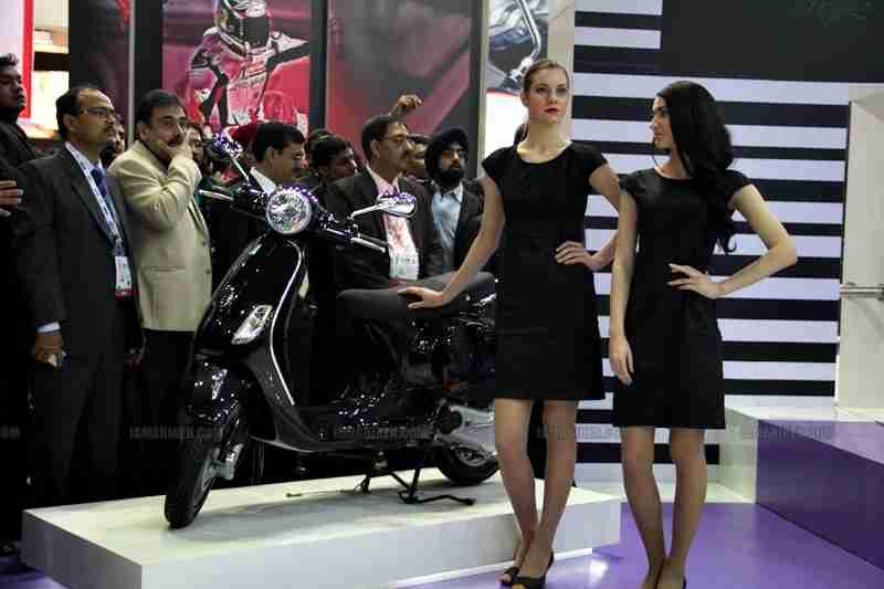 Vespa - Piaggio Auto Expo 2012 India 41
