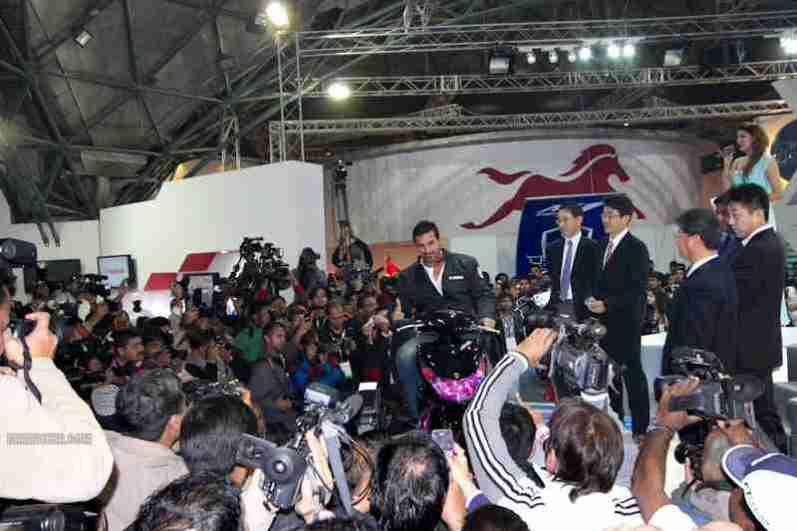 Yamaha Auto Expo 2012 India 18