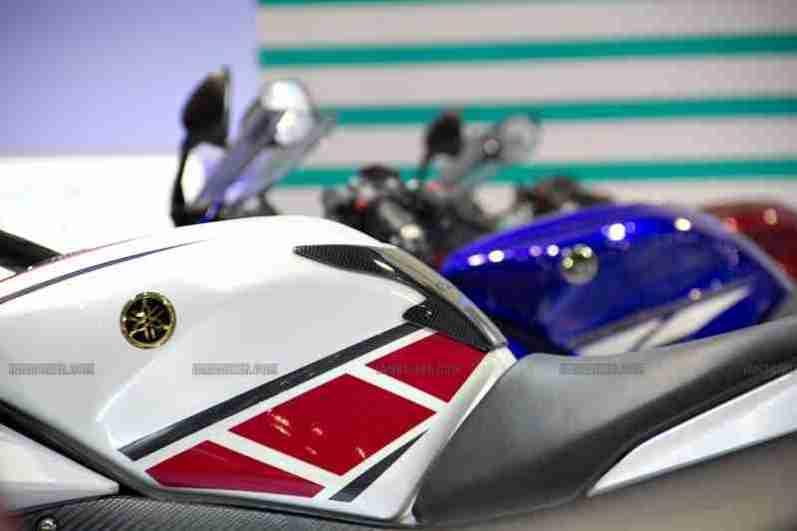 Yamaha R15 V 2.0 50th Anniversary edition Auto Expo 2012 India 33