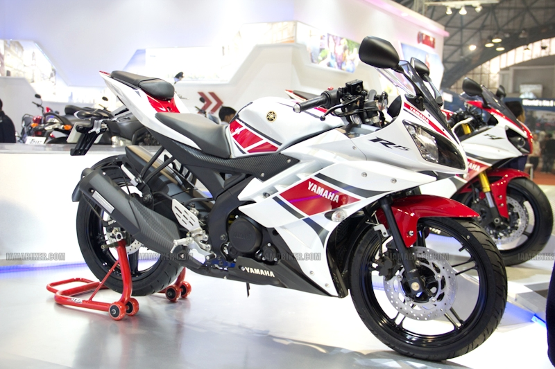 Yamaha R15 V 2.0 50th Anniversary edition Auto Expo 2012 India 35