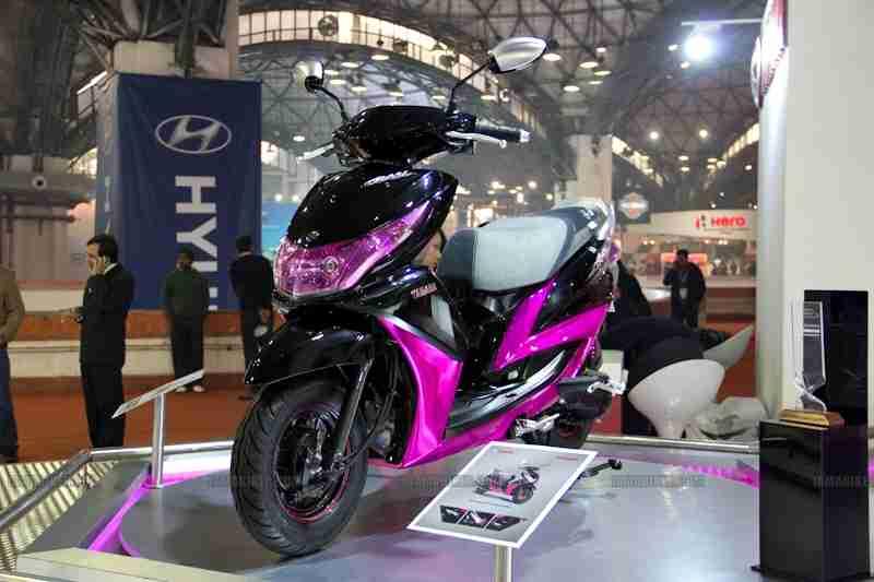 Yamaha Ray Auto Expo 2012 India 01