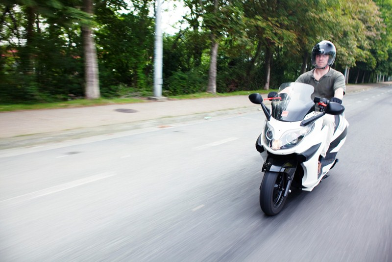 LEMev Stream electric scooter 2012 09