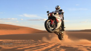 stephane peterhansel yamaha r1 desert