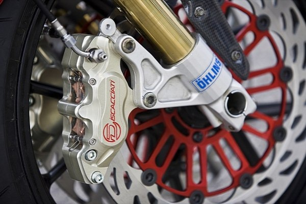 RAD02 Pursang radical ducati 04