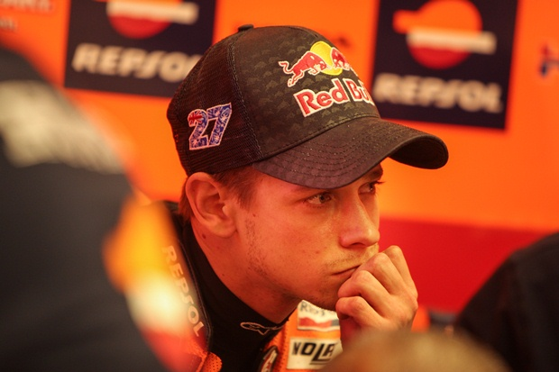 Casey Stoner announces retirement after 2012 season