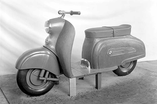 The R10 scooter prototype from BMW from 1950