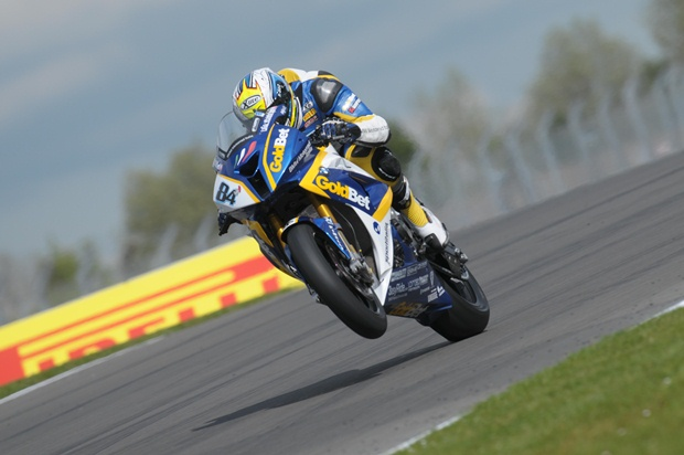WSBK 2012 Donington Goldbet Italia FP QP1 report