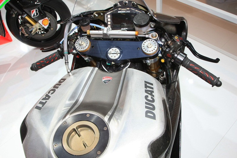 ducati panigale 1199 rs13 - 04