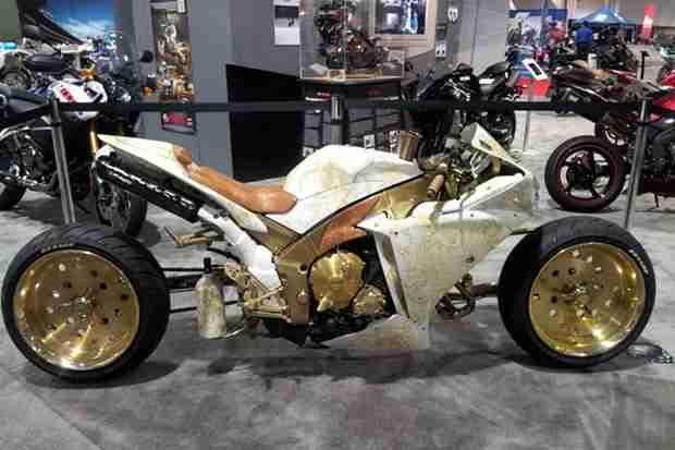 Custom Yamaha R1 by Sesto Custom Cycles