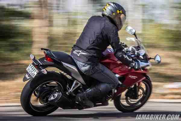 Honda CBR250R Track riding