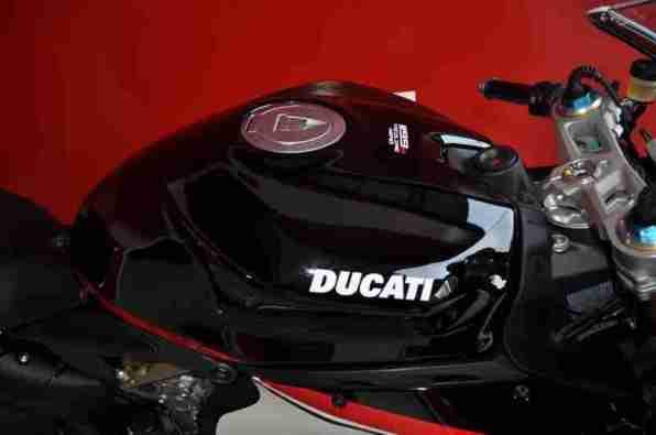 Ducati 1199 Panigale S Nero - 02