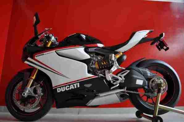 Ducati 1199 Panigale S Nero - 03