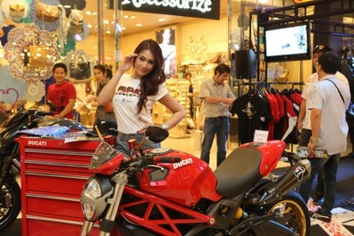 2013 Bangkok Motorbike Festival photographs - 36