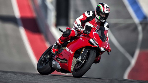 ducati panigale r on track
