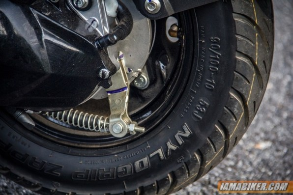 yamaha ray z rear tyre and brake