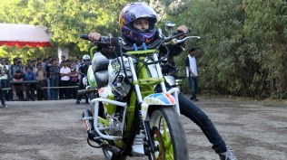 anam hasim - stunt girl india - 02
