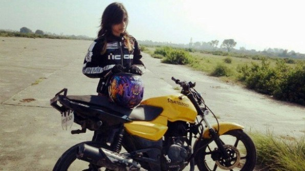 anam hasim - stunt girl india - 05