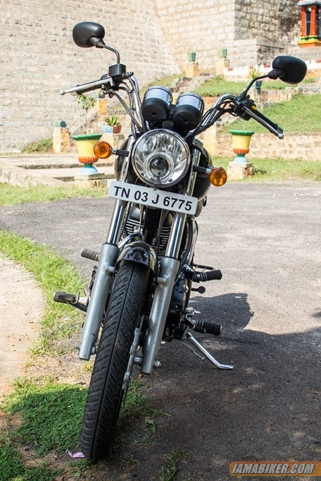 Royal Enfield Thunderbird 500 front view