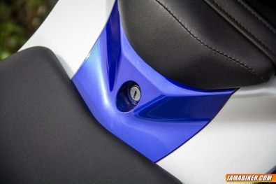 yamaha r15 v2 under seat storage lock