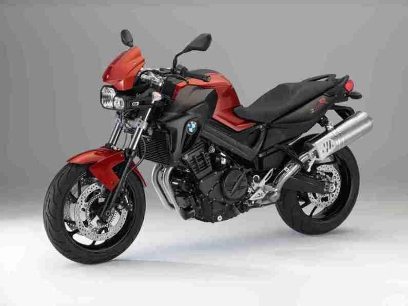 2014-BMW-F-800-R-red