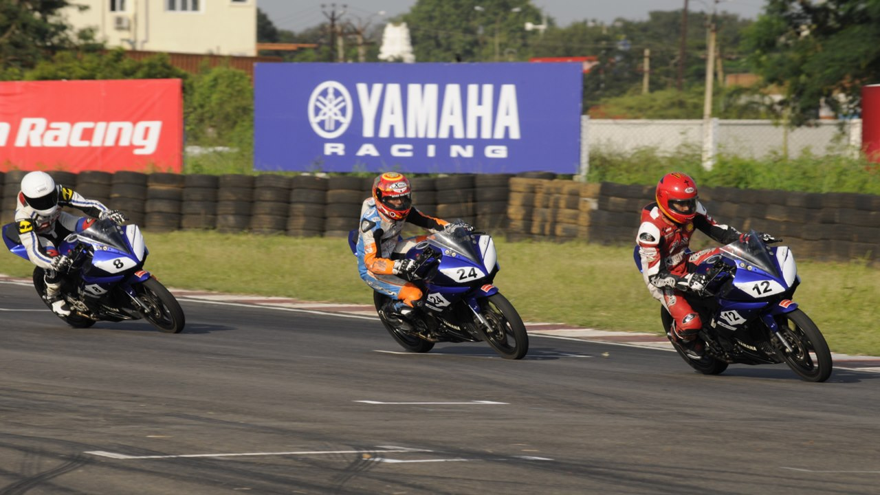 2013 Yamaha YZF-R15 One Make Race Championship round 4 - 1