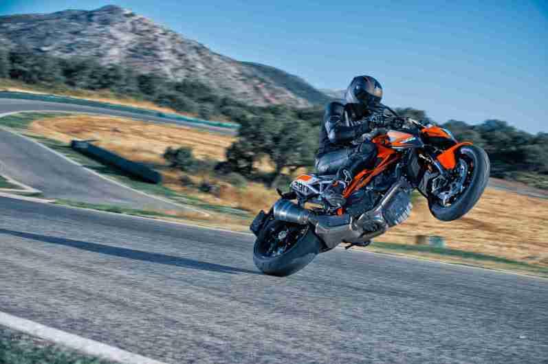 2014 KTM Super Duke 1290 wallpapers - 02