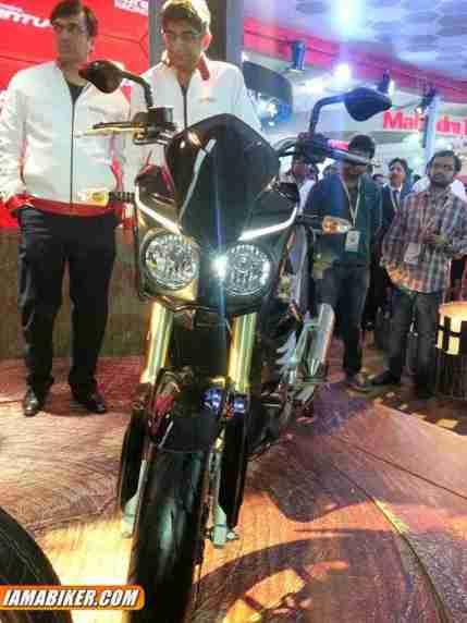 Mahindra Mojo 300 - 05