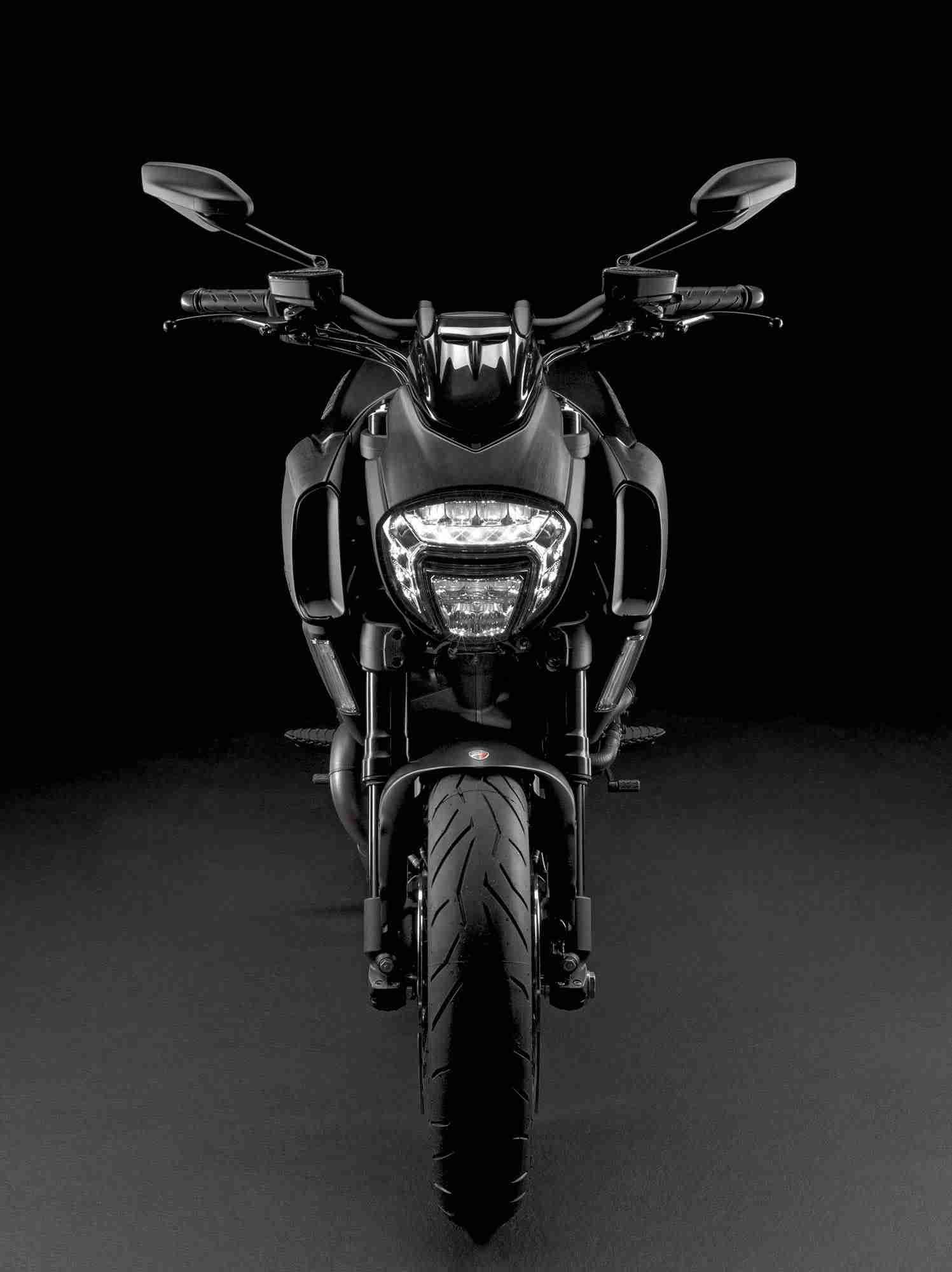 2015 Ducati Diavel - 17