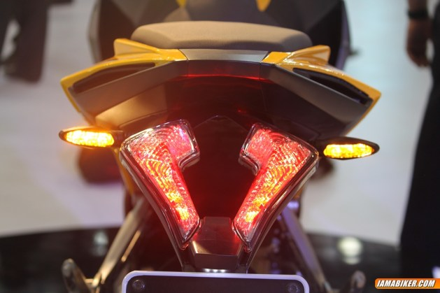New Pulsar SS400 tail ight
