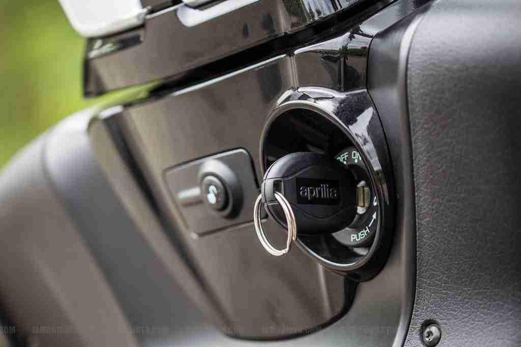 Aprilia SRV 850 key slot