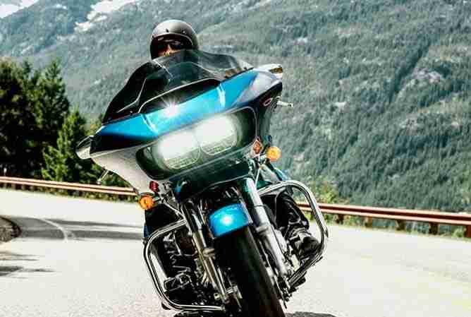 2015 Harley Davidson Road Glide - headlights