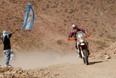 cs santosh dakar rally stage 10