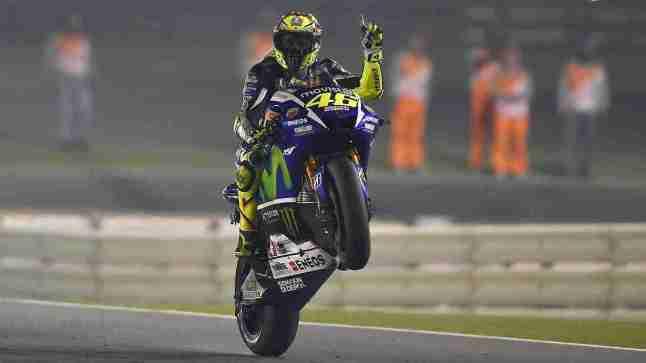 Valentino Rossi wheelie Movistar Yamaha MotoGP Qatar 2015