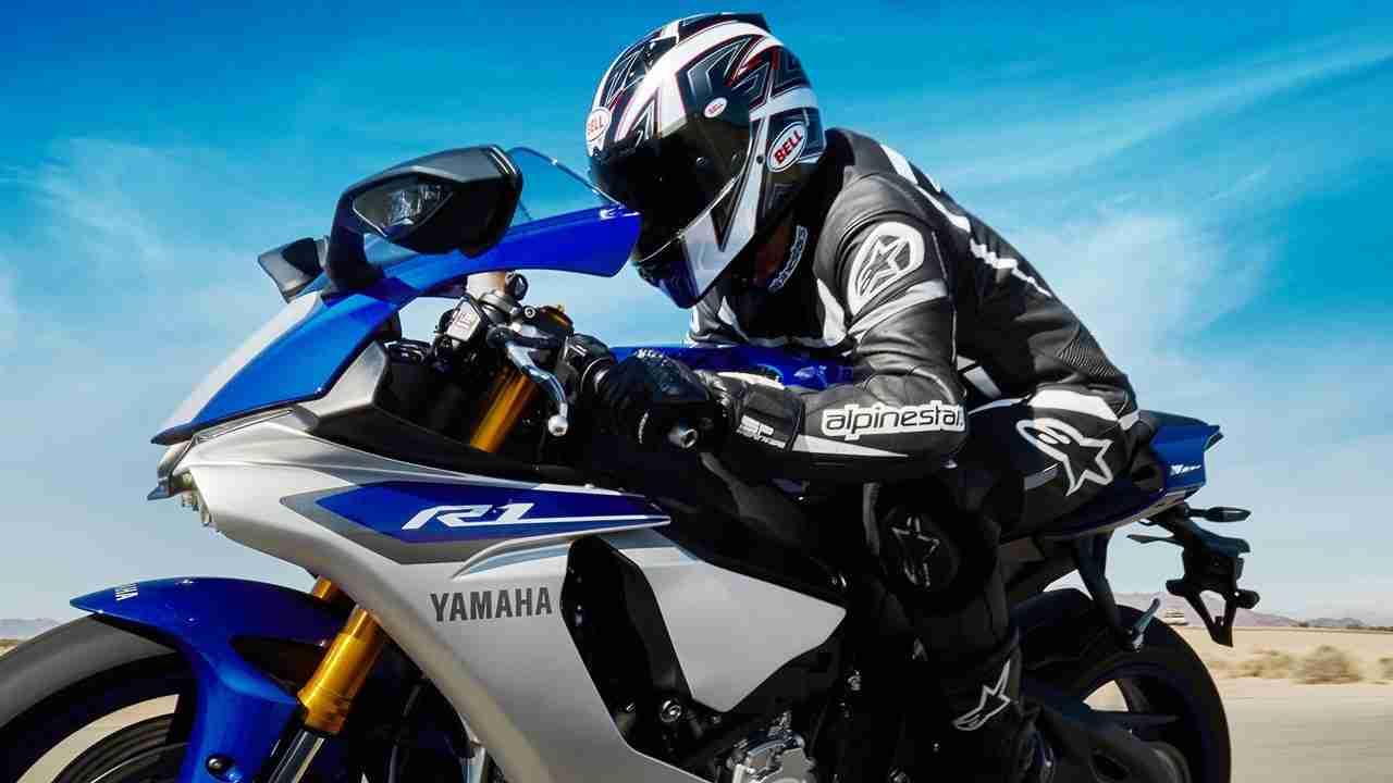 2015 Yamaha YZF-R1M Racing Blue colour option