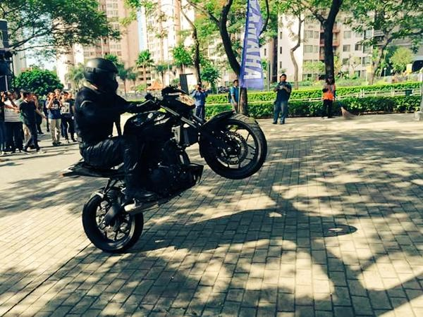 Yamaha MT 25 wheelie